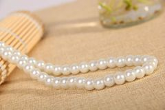 """16"""" White or Cream Glass Imitation Pearl Beaded Necklace With Crab Claw Clasp"""