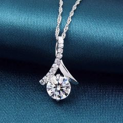"""Gorgeous Crystal Necklace With 16"""" Silver Herringbone Chain"""