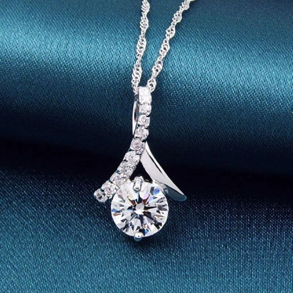 "Gorgeous Crystal Necklace With 16"" Silver Herringbone Chain"