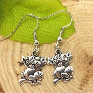 Cute Pair of Cat Dangle Earrings (Pierced)