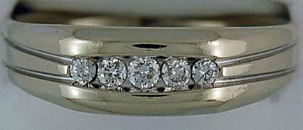 Gentleman's 5 Round Cut Diamond Band