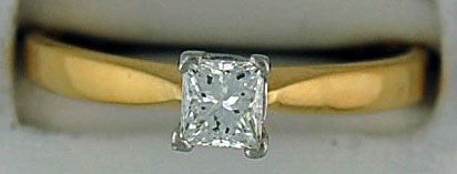 Ladies 1/2ct Princess Cut DIamond Solitaire