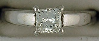 Ladies 3/4ct Princess Cut DIamond Engagement Ring