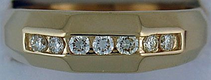 Gentleman's 3/8ctw 7 Diamond Band