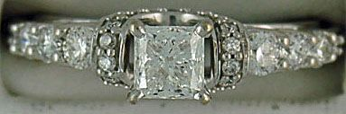 Ladies 1-1/2ctw Diamond Engagement Ring
