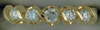 1/2ctw Twisted Diamond Band