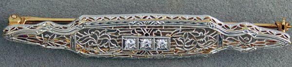 1/10ctw Filigree Style Pin