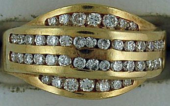 1ctw Channel Set Diamond Cluster Ring