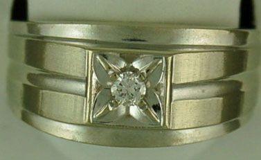 Gentleman's 1/10ct Diamond Ring