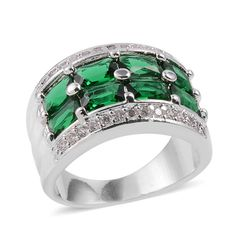 Simulated Green and White Diamond Ring in Silvertone (Size 6) A 10561