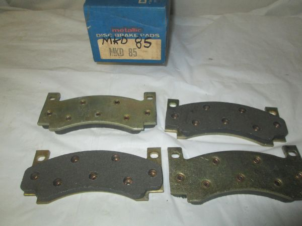 D85 FRONT DISC PADS CHRYSLER DODGE TRUCK PLYMOUTH /D39/D55