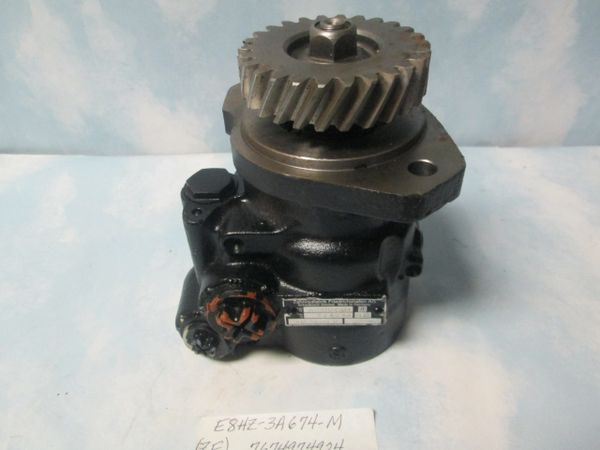 E8HZ-3A674-M 7674974924 ZF POWER STEERING PUMP NEW