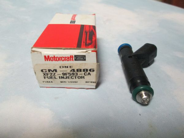 CM-4886 MOTORCRAFT FUEL INJECTOR NEW