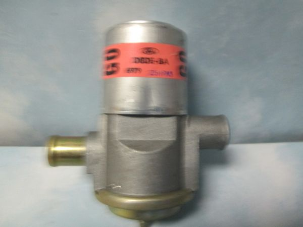 D8DE-BA FORD THERACTOR DIVERTER VALVE