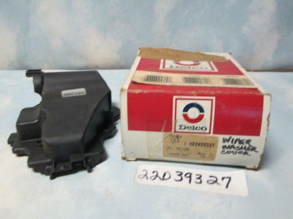 22039327 AC DELCO WINSHIELD WIPER COVER NOS 85-86 CADILLAC DEVILLE
