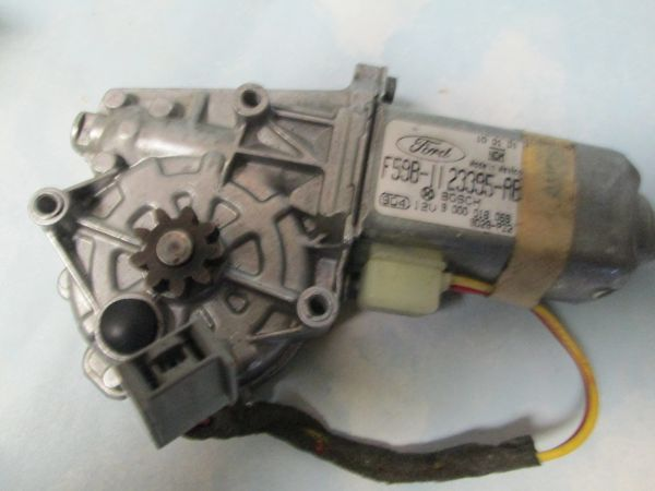 F59B-1123395-AB FORD AEROSTAR WINDSHIELD WIPER MOTOR NOS