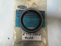 E7TZ-1190-A FORD OEM RETAINER NEW