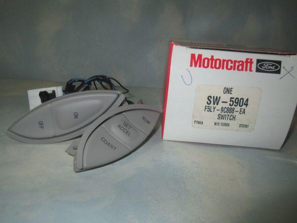 SW-5909 MOTORCRAFT (F5OY-9C888-AA) CRUISE CONTROL SWITCH NEW
