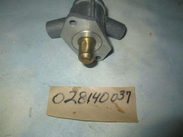 028140037 BOSCH MERCEDES BENZ R107, W123,W460 000141062 AIR IDLE NEW