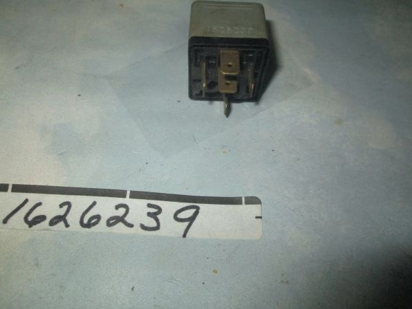 1626239 BOSCH 12V SAAB RELAY 5 PRONG NEW