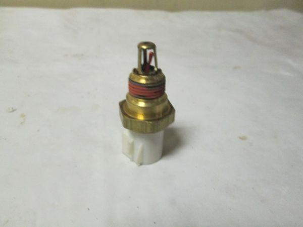 DY-674 AIR TEMP SENSOR FORD OEM AX3 Motor NEW