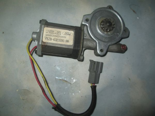 F5ZB-6323395-AA FORD MUSTANG WINDSHIELD WIPER MOTOR NEW