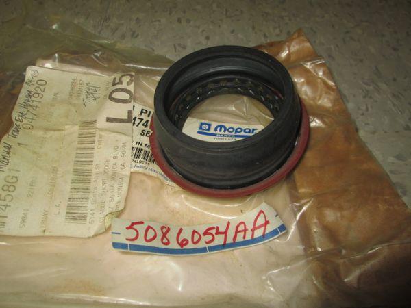 5086054AA MOPAR DODGE RAM TRUCK 1500 98-05 TRANSMISSION OUTPUT SHAFT SEAL 5.9L MOPAR OEM NOS