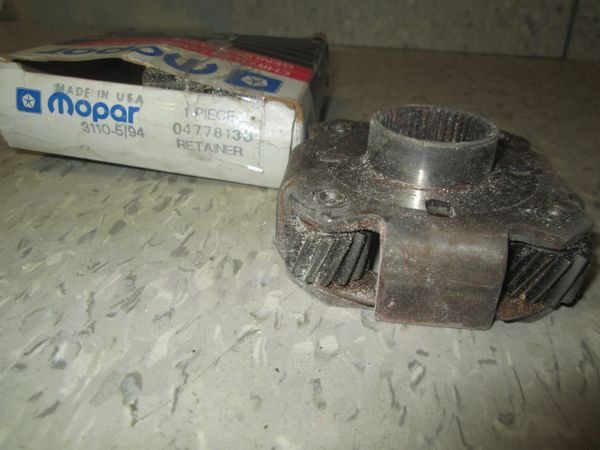 04778138 MOPAR DODGE RETAINER BEARING NOS