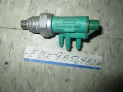 E1BE-8A564-A2A FORD 3 PRONG PORTED SWITCH GREEN NOS Ford Truck VACUUM SWITCH COOLANT TEMPERATURE CONTROL