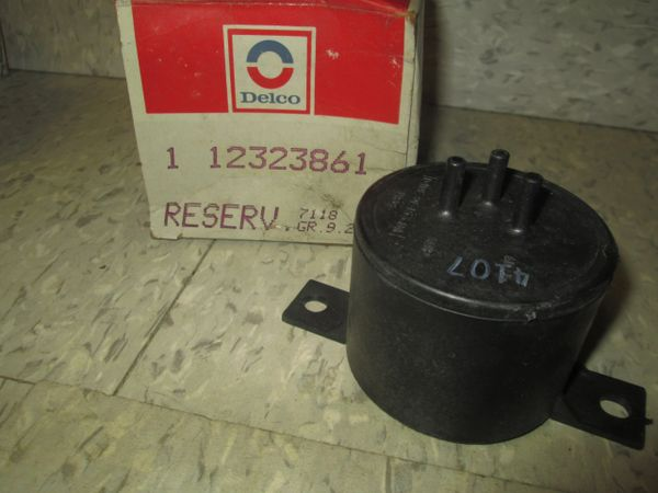 12323861 AC DELCO ENGINE 94- 86 FORD MUSTANG 5.0L V8 VACUUM RESERVOIR VALVE NEW