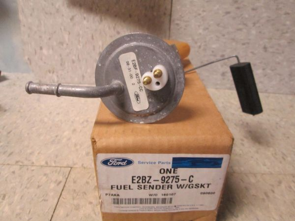 E2BZ-9275-C FORD LTD GENUINE FUEL SENDER W/GASKT NEW