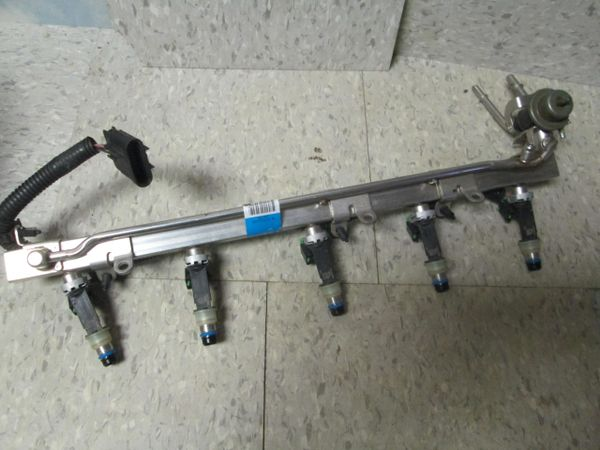 9581653212-3A DELPHI FUEL RAIL N0S NO BOX OEM Fuel Rail with Fuel Injectors, Harness & Pressure Regulator