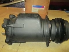 15-2196 AC DELCO COMPRESSOR 77-79 GM BUICK CADILLAC GMC TRUCK G2500 G3500 K-10 SUBURBAN 1500 2500 3500 REMAN