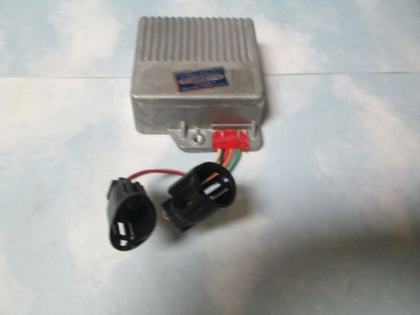 LX-210 FORD ENGINE CONTROL MODULE RED GROMET NEW