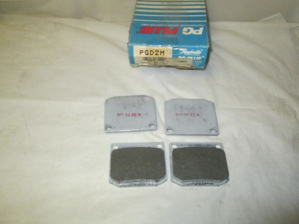 PDG 2M RAYBESTOS DISC PADS FRONT NEW