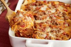 LASAGNA (with breadsticks)