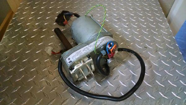 True 500Z Treadmill Incline Motor Used Ref. # JG3853