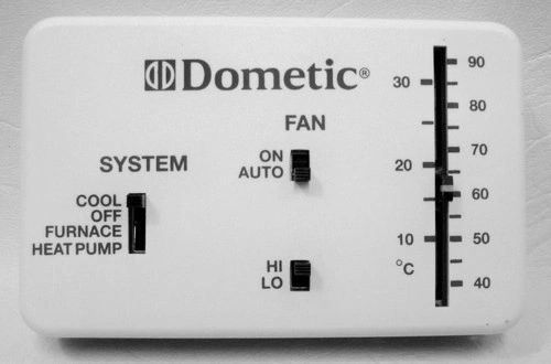Dometic Analog Thermostat, Cool/Furnace/Heat Pump, 3106995.040