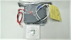 Dometic Single Zone LCD Thermostat, Cool/Furnace/Fan, 3313189.000
