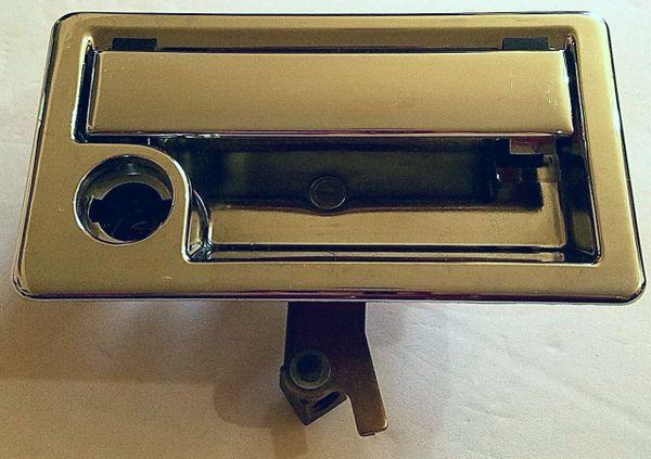 Chrome Bay Door Handle With Gasket 12429-01