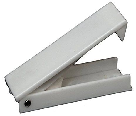 RV Designer Colonial White Baggage Door Catch E212