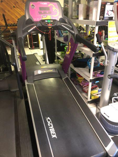 Cybex 625 Treadmill