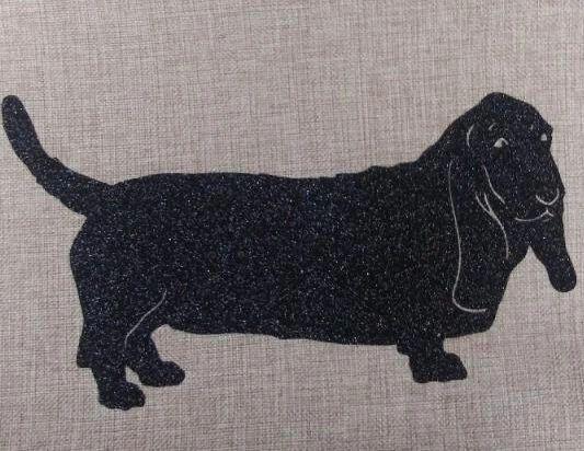 """Bassett Hound 18"""" Pillow/Pillowcase"""
