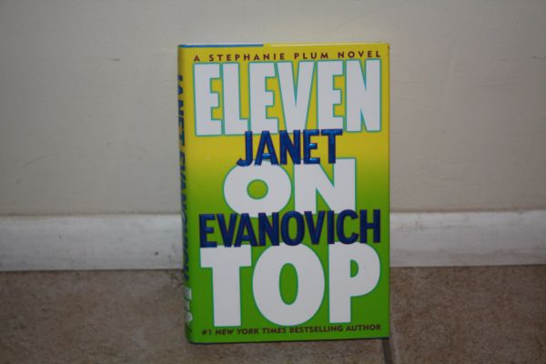 BOOK...ELEVEN ON TOP BY JANET EVANOVICH... USED BOOK PAPER BACK