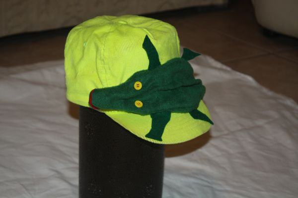 GATOR SMALL GATOR ON HAT