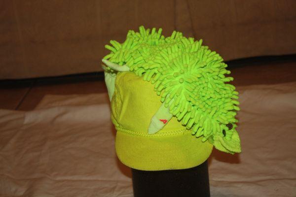 GATOR MEDIUM SIZE BRIGHT GREEN GATOR ON HAT.