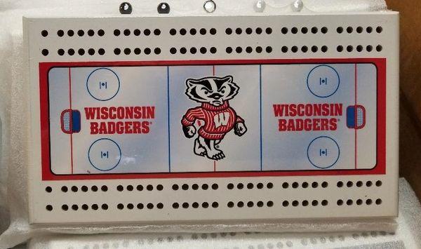 Wisconsin Badgers NCAA Licensed Cribbage Board