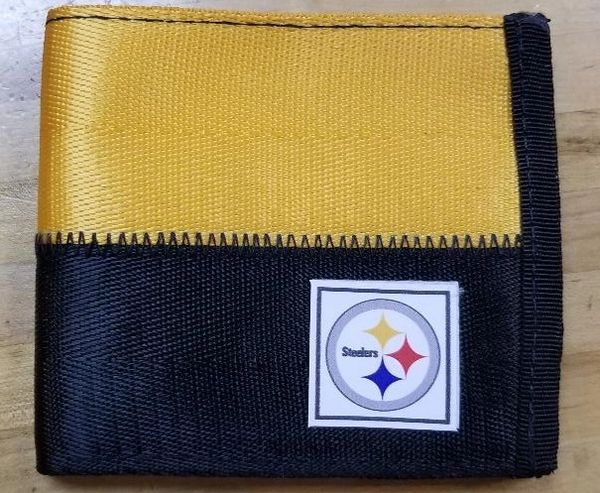 Pittsburgh Steelers Belted Bi Fold Wallet