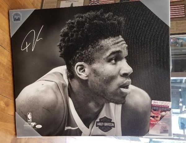 Giannis Antetokounmpo Bucks Autographed 20x24 Officially Licensed Canvas Print #8