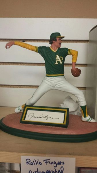 Oakland Athletics Rollie Fingers Autographed Romito Figure Statue